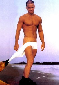 mark-wahlberg-underwear-photos-05