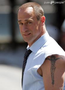 392810-christopher-meloni-637x0-2