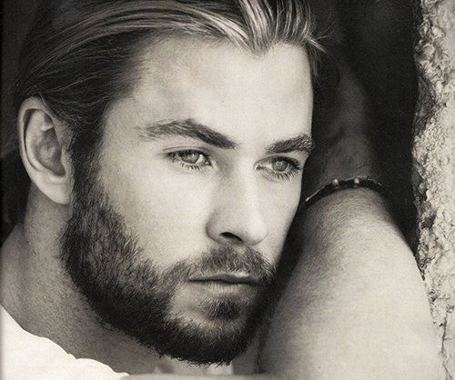 600full-chris-hemsworth