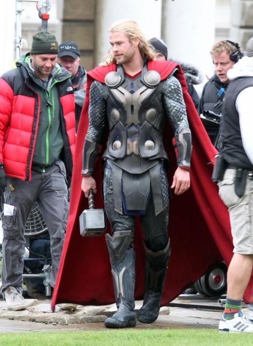 Chris_Hemsworth_Wields_His_Hammer_In_quot_Thor_2_quot_-9-749x1024