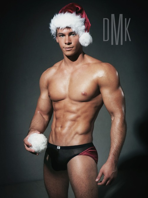 Hot-Santa-Claus-Hunks-Sexy-2011-Christmas-002